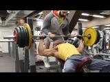 Очень эффективное упражнение для развития грудных мышц. Жим штанги на наклонной скамье