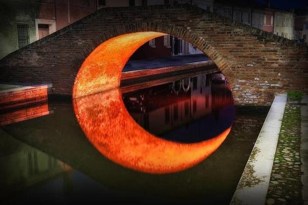 """""""Луна под мостом"""""""
