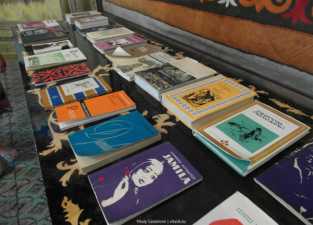 Книги Айтматова на иностранных языках