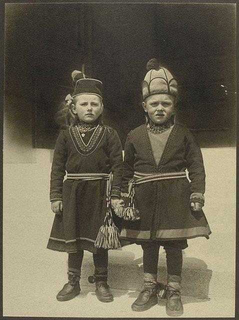 Дети из Лапландии, иммигрировавшие в США. Фото: Август Шерман 1902-1914 гг.