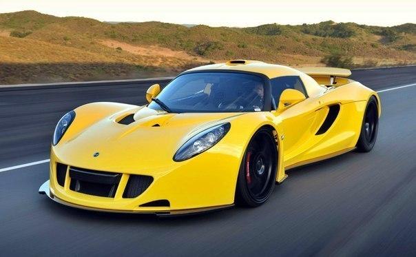 Hennessey Venom GT  Двигатель: 6200 см³ Мощность: 1217 л.с. Крутящий момент: 1570 Нм Привод: Задний Максимальная скорость: 443 км/ч Разгон до 100 км/ч: 2.5 сек Масса: 1220 кг  Произведено 29 единиц