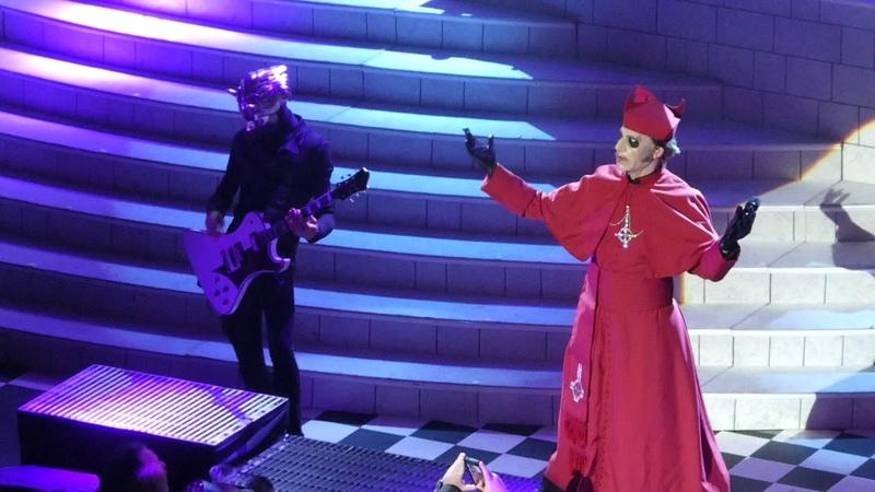Cardinal Copia Forgets His Belt Faith Ghost@Warner Theatre Washington DC 52018