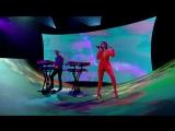Calvin Harris & Dua Lipa perform One Kiss (Live on The Graham Norton Show)