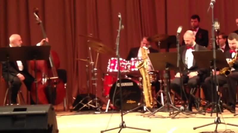 Солируют Ударные! На концерте камерного оркестра джазовой музыки имени Олега Лундстрема.