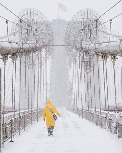 Один билет до зимнего Нью-Йорка, пожалуйста.