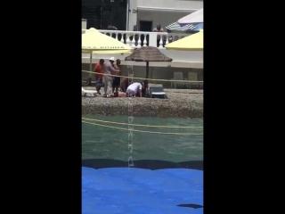 На пляже в Геленджике пытались откачать утопленника