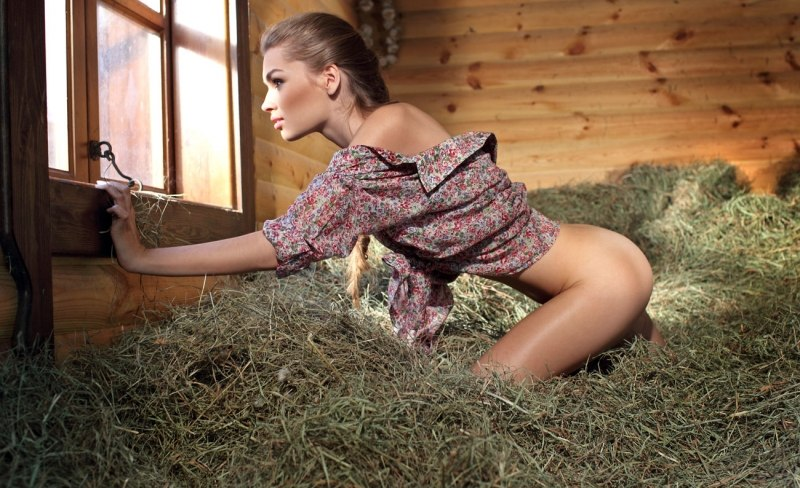 Секс в деревне с толстушкам