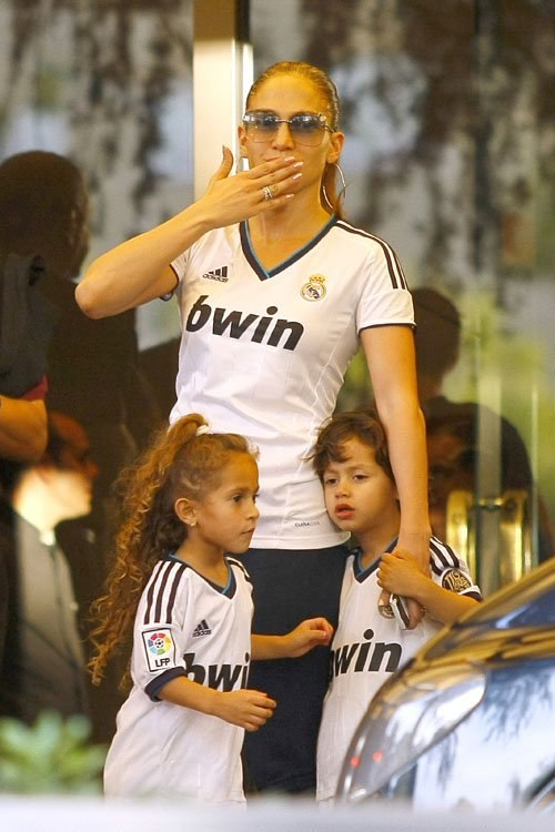 Джей Ло и дети