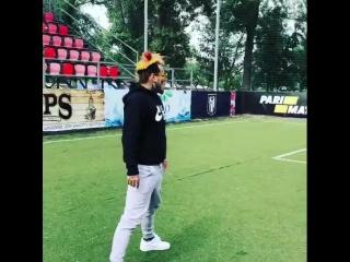6ix9ine играет в футбол в Киеве NR