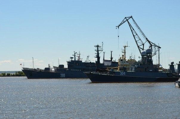 Корабли в Петровской гавани