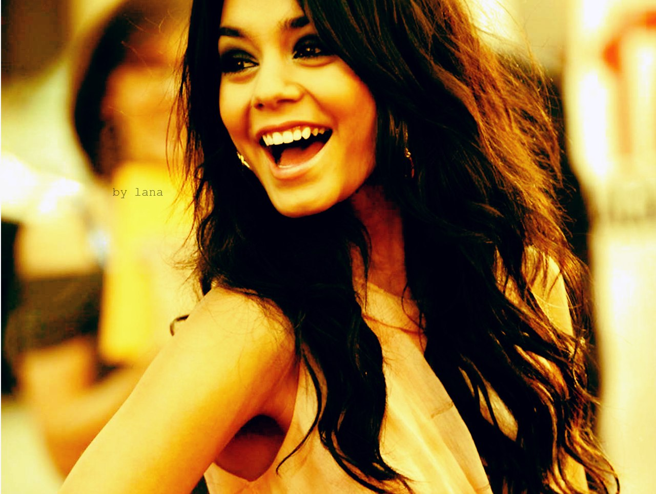 Фото на аву улыбающийся девушки