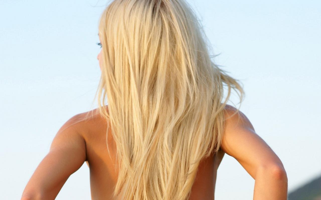 foto-blondinok-szadi-s-bolshoy-grudyu-shou-pishek-s-seksom