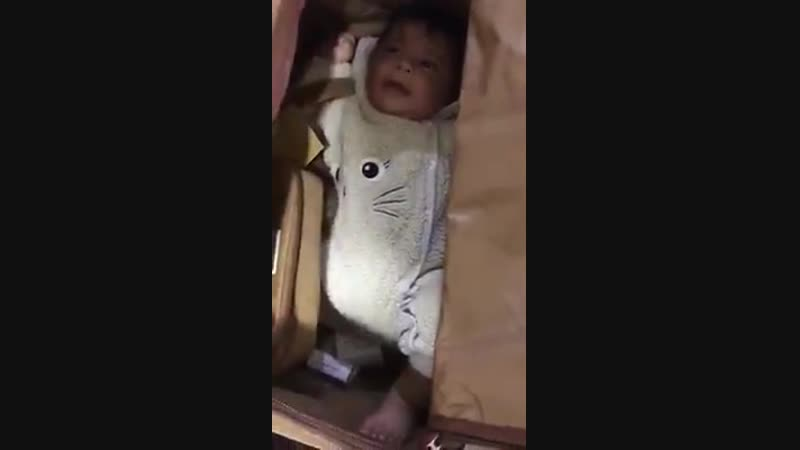 Охрана аэропорта Дубая нашла ребенка в сумке индонезийского пассажира