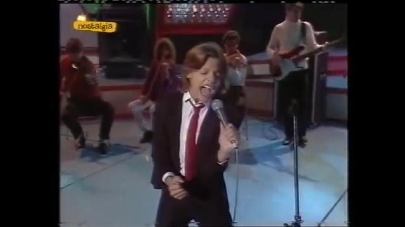 LUIS MIGUEL - No Me Puedes Dejar Así (1983)