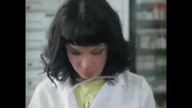 Однажды в аптеке))