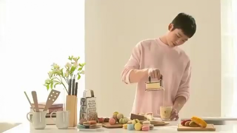 реклама с Хэ Ином