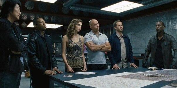Команда Доминика Торетто : Брайн, Роман, Жизель , Хан , и Тэж