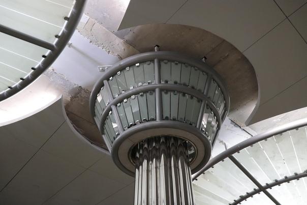 Соединения элементов потолка станции «Стрелка»