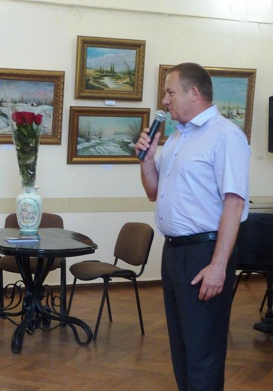 В таганрогской библиотеке открылась персональная выставка Ивана Собко