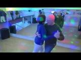 Валерий Калинин и Надежда Саратовская - бальбоа под сальсу на вечеринке Школы Владимира Батия