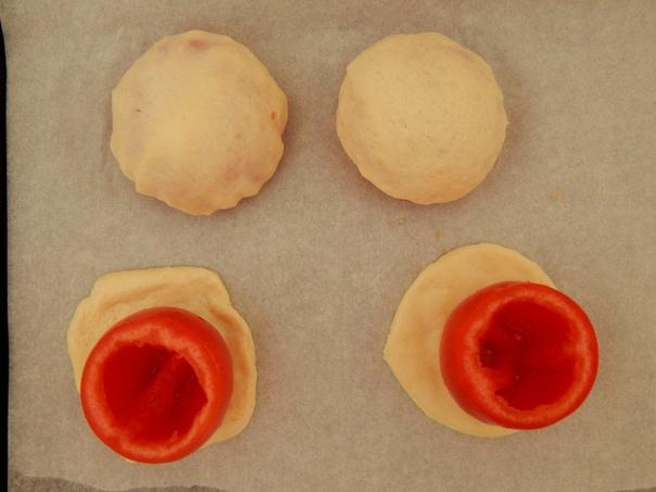 Фаршированные помидоры в тесте