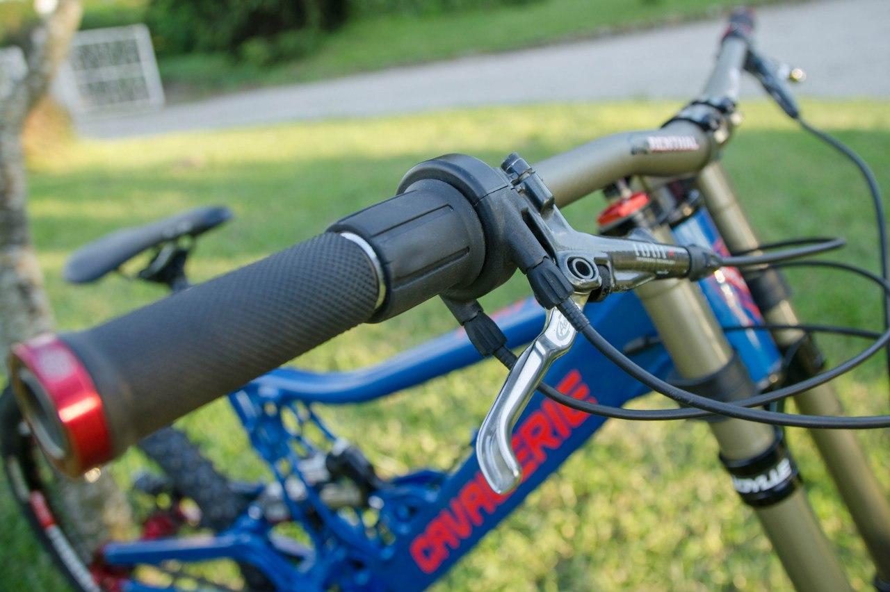 blue mtb bike