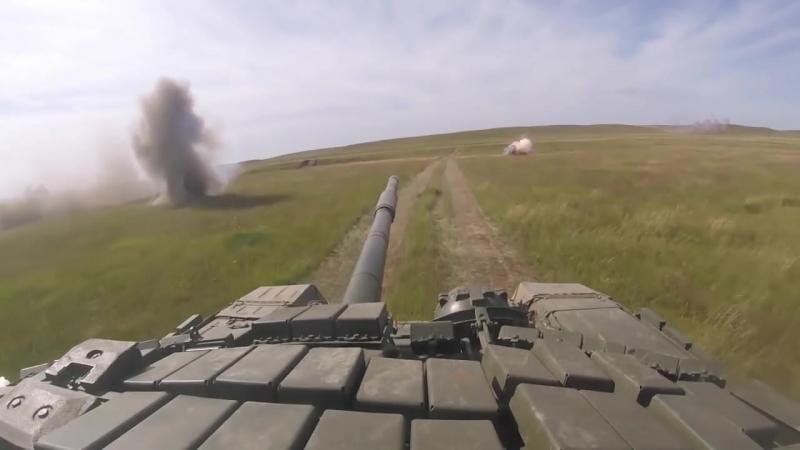 Совместные действия мотострелков и танкистов в рамках маневров «Восток-2018»