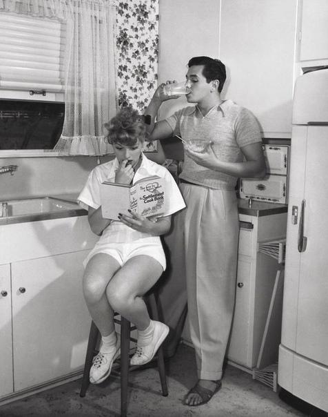 Семейное фото Люсиль Болл с супругом Дези Арназом.