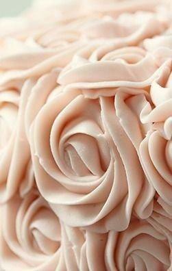 8 самых простых кремов для тортов и других десертов родные обожают эту подборку 1. классический заварной кремсостав продукта:- 500мл. молока- 200гр. сахара- 1ч. ложка ванилина- 50гр. муки- 4