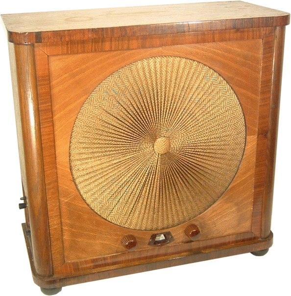 Ламповый радиоприемник LOEWE