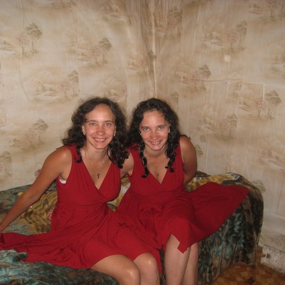 Анжела Таня (близнецы)