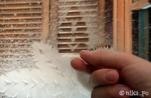 Создание снежинок с помощью зубной пасты