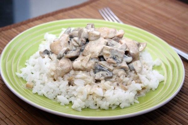 Курица с грибами в сливочном соусе (6 фото) - картинка