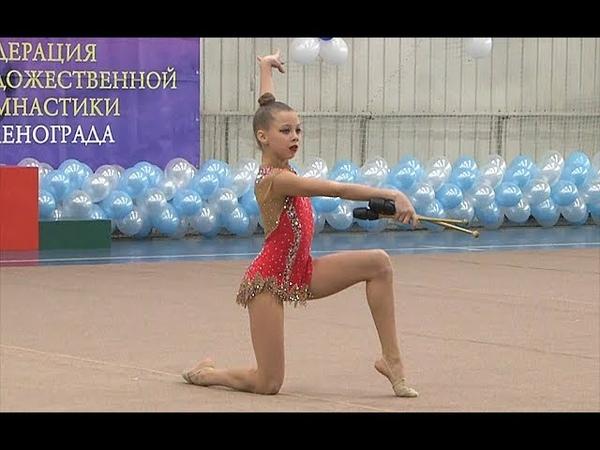 Октябрьская Анжелика булавы Художественная гимнастика.