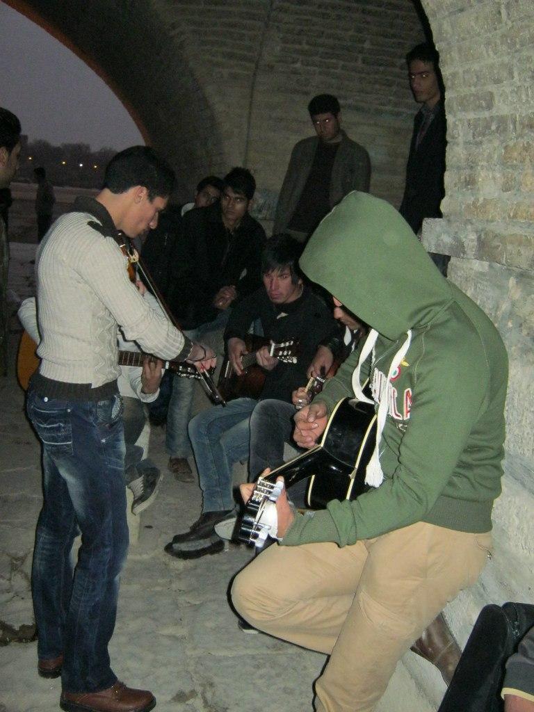 Молодёжь в Иране