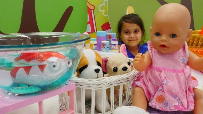Oyuncak bebek için petshoptan hayvan alıyoruz | Maşanın oyuncakları
