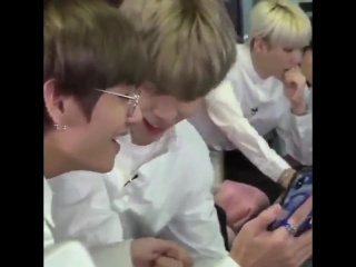 look at these cuties in their own little world again i love soulmates