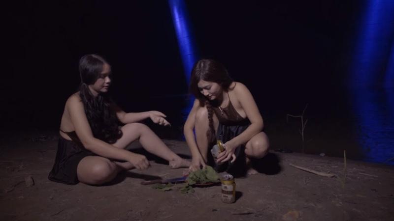 Hai chị em đêm hôm vụng trộm ăn chim giữa đồng bất ngờ xảy ra hot girl ẩm thực