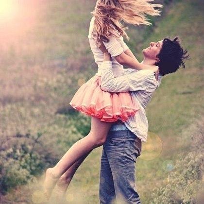 Я хочу почитать тебя как богиню, Я хочу обнимать тебя как жену. Я хочу, чтобы мне не пристало отныне Уходить в каждой жизни опять на войну.  Я хочу, чтобы руки твои не старели, Я хочу, чтоб глаза излучали любовь, Чтобы птицы весенние песни нам пели. Я хочу возвращаться к тебе вновь и вновь!  Олег Анучин.