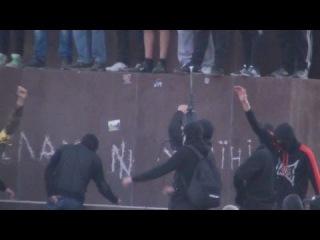 Харьков Вандалы Майдана выбили на Ленине Отбойным Молотком
