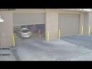 Нога застряла между педалями тормоза и газа