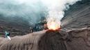 Забрались на кратер вулкана. Извержение вулкана Бромо. Остров Ява, Индонезия