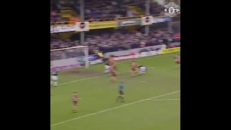 OnThisDay in 1994, Paul Scholes made his MUFC debut... ... did he score a bet