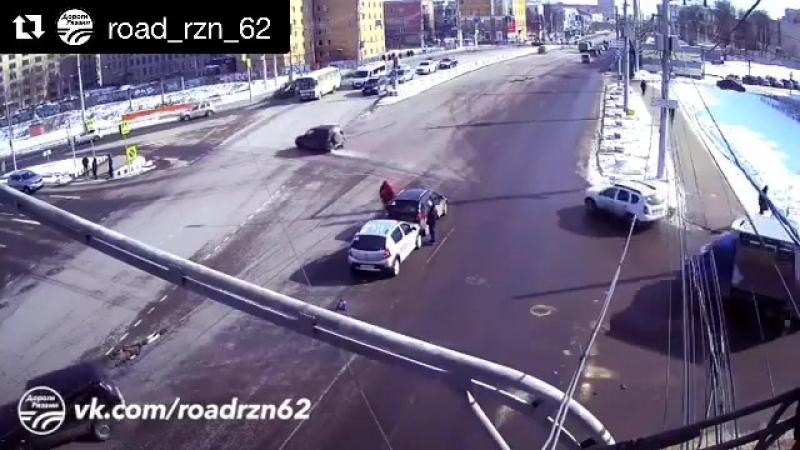 Repost @ road_rzn_62 ・・・ 🚨 ДТП в Рязани