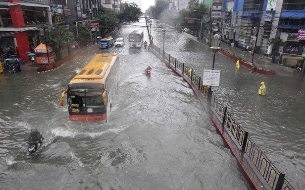Plansız Şehirleşme ve İklim Değişikliği Sel Felaketlerine Neden Oluyor
