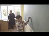 «Хочу увидеть Марину Ашотовну!»: RT встретился с учителем первоклассника, который не рад каникулам