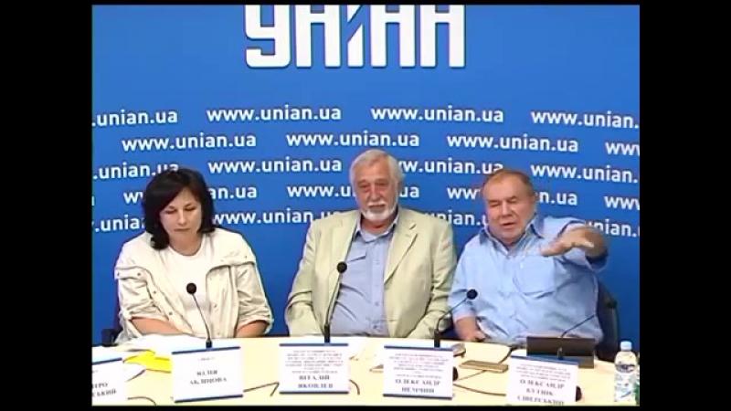 На Донбассе всех усыпим, всех в наручники, и в концлагеря.