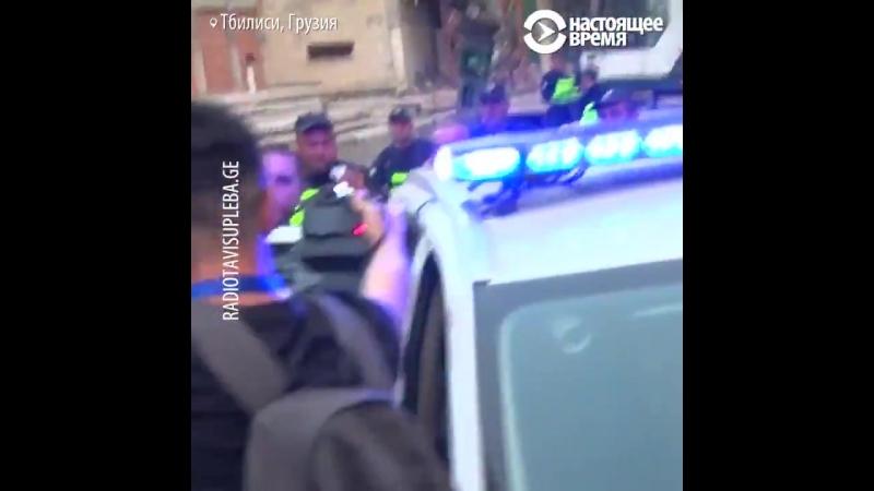 Избиение ЛГБТ активиста