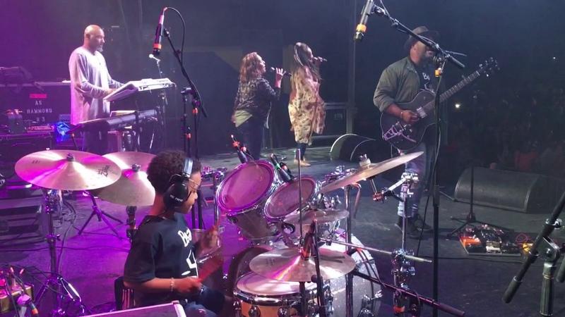 Israel New Breed Te Amo (Live Performance)