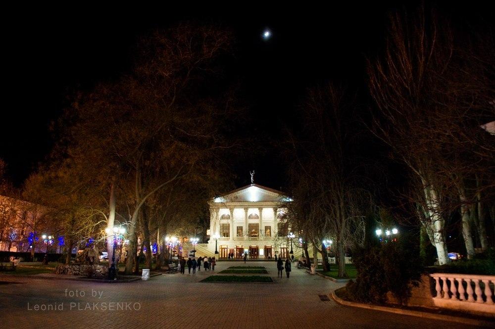 Ночной Севастополь. Автор фото Леонид Плаксенко